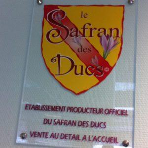 panneau personnalisé présentant safran des ducs